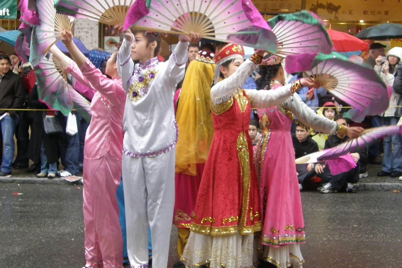 Chinese Fan Dance - cultural dances