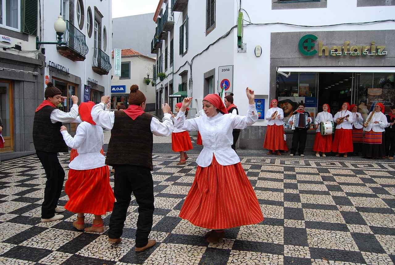 Portuguese Corridinho - cultural dances