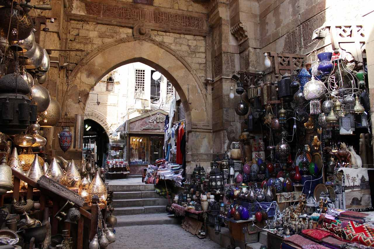 Stroll through the local bazaars_Fun things to do in Egypt