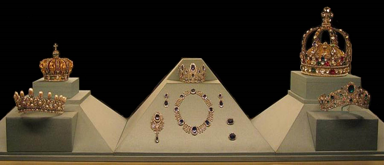 The French Crown Jewels-The Louvre Museum