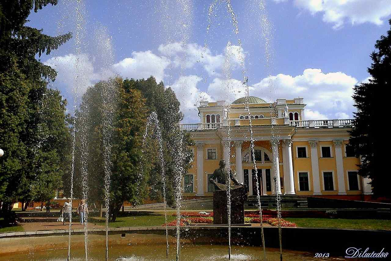 Belarus-Top tourist destination to visit in 2019-Gomel Palace & Park Ensemble